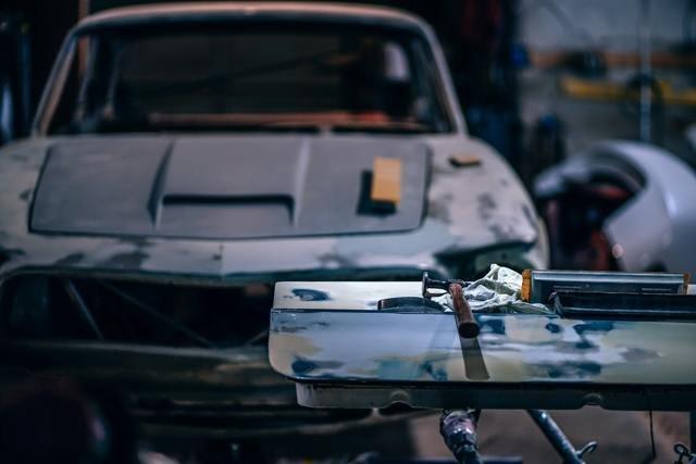 авто требует ремонта