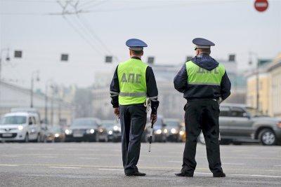 Может ли ДПС остановить без причины: правила остановки водителя, инструкции ДПС и порядок действий при остановке