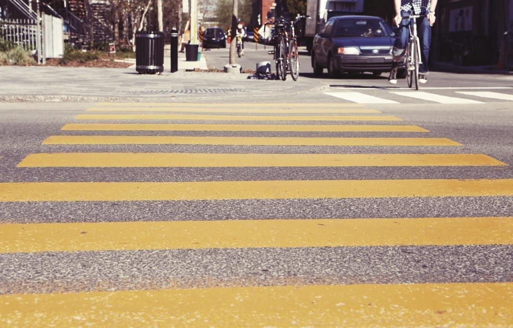 пешеходные переходы и места остановок