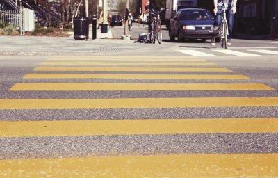 Остановка на пешеходном переходе: юридическое определение, нарушение правил дорожного движения, ответственность за их невыполнение, сумма штрафов, советы и комментарии юристов