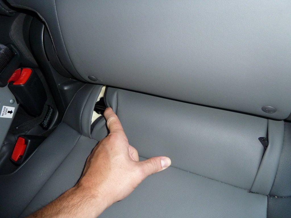 как пристегнуть автолюльку в машине фото
