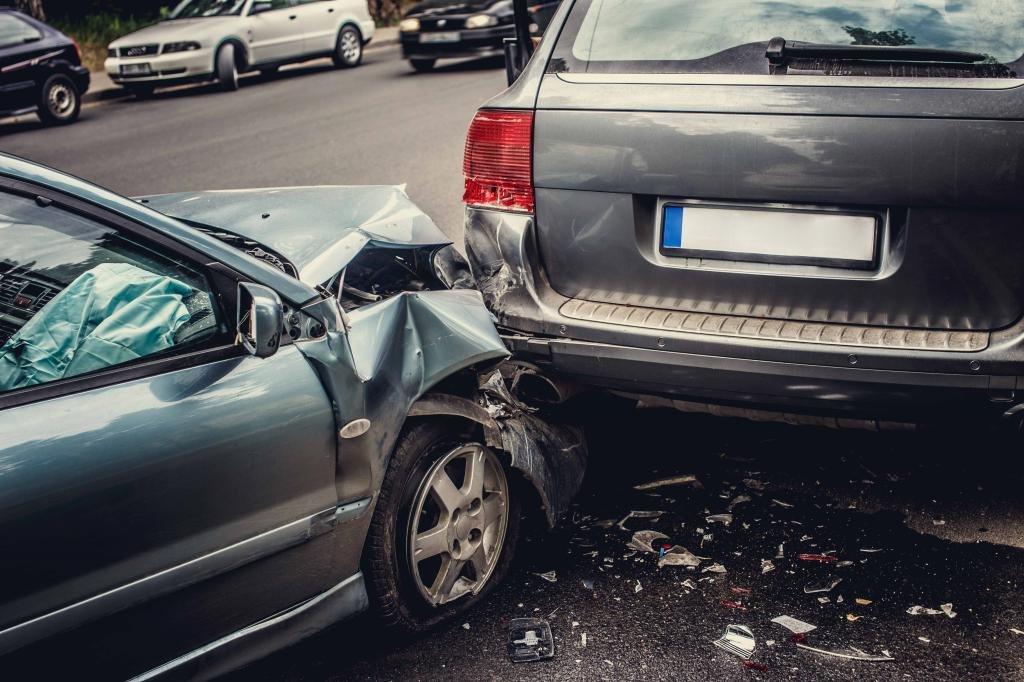 Авария при столкновении в движении